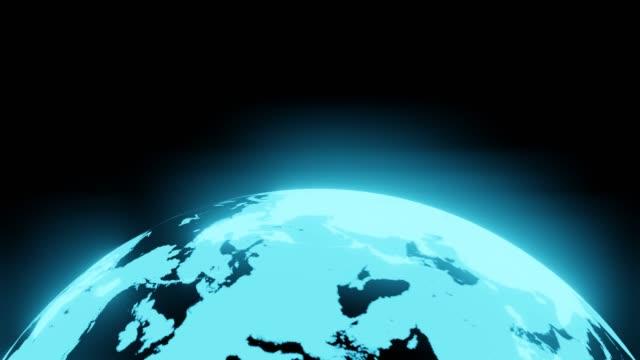 Blauwe holografische bol op zwarte achtergrond. video