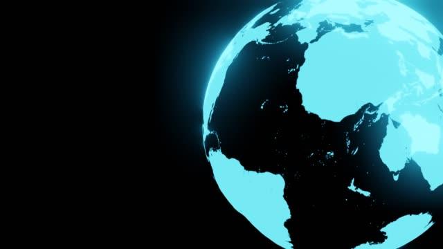 Blauwe holografische bol op zwarte tekstruimte. video
