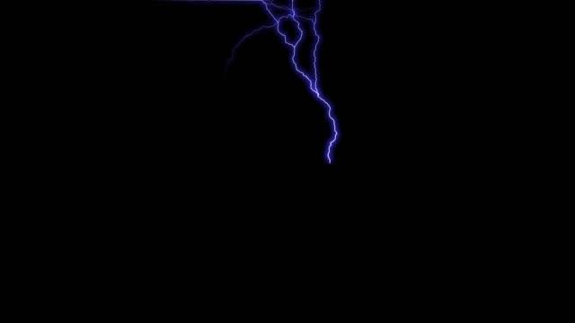 vídeos y material grabado en eventos de stock de blue lightning flash thunderbolt fondo negro. - descarga eléctrica