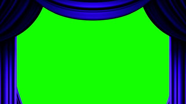 blu sipario sul tasto verde chroma - sipario video stock e b–roll