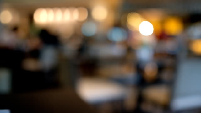 café-restaurant zu verwischen - bewegungsunschärfe stock-videos und b-roll-filmmaterial