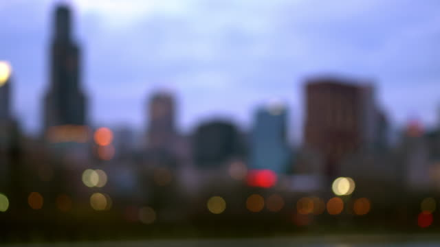sfondo astratto sfocato del chicago cityscape office skyline skyscraper building - immagine mossa video stock e b–roll