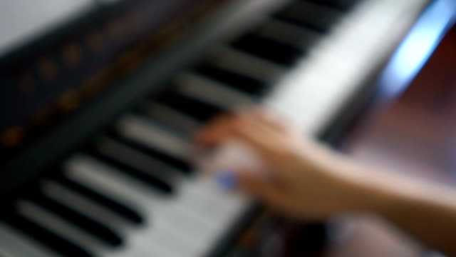 Blurred Hands practice piano at home video