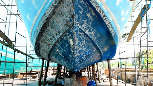 boat maintenance - skrov bildbanksvideor och videomaterial från bakom kulisserna