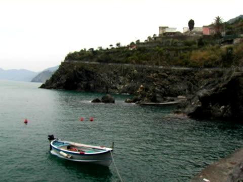 vídeos y material grabado en eventos de stock de barco en el mar mediterráneo - anclado