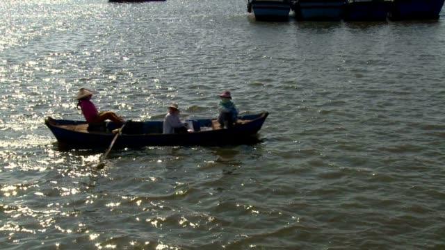 boat over mekong video