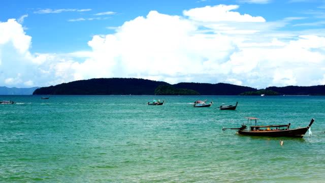 boat tour in andaman beach,beach thailand - ekoturystyka filmów i materiałów b-roll