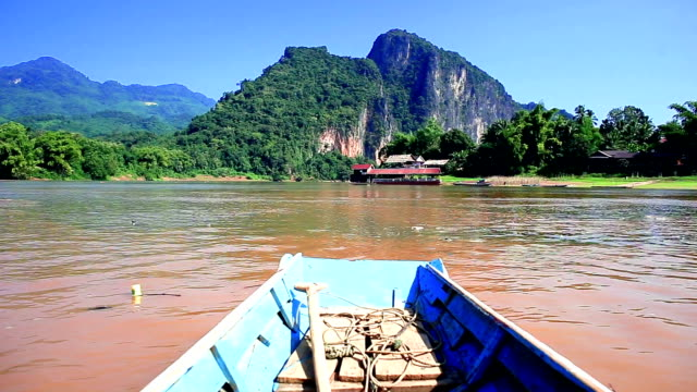 Boottocht in Laos video