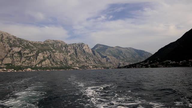 kotor körfezi tekne turu - okyanus gemisi stok videoları ve detay görüntü çekimi