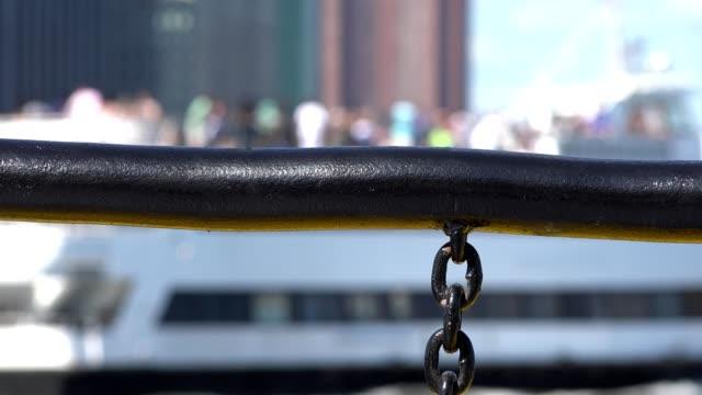 ボート手すりとチェーン - 鎖の輪点の映像素材/bロール