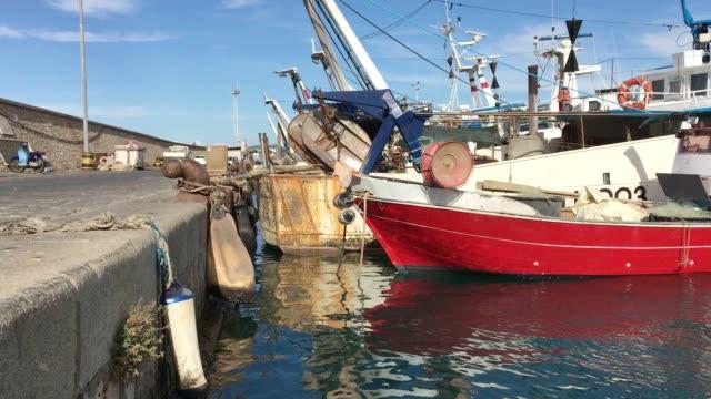 barche al wharf - oman video stock e b–roll