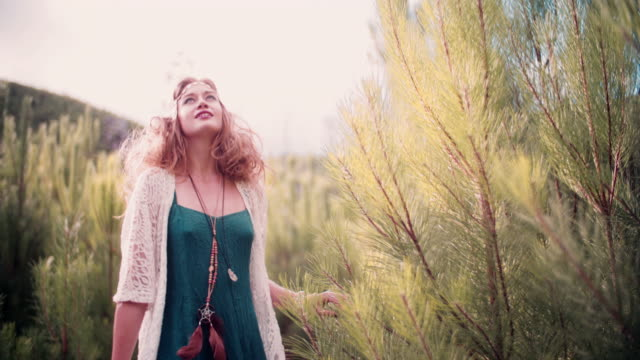 stockvideo's en b-roll-footage met boho girl in vintage fashion on a nature trail - boho