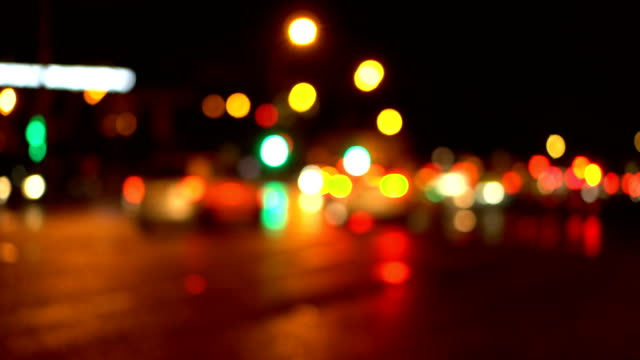 stockvideo's en b-roll-footage met bokeh night city weg. onscherp. - stadsweg