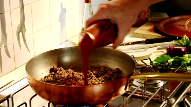 bolognese meat sauce video