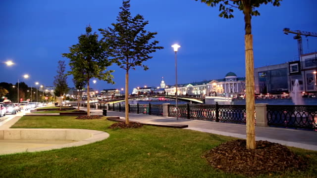 bolotnaya embankment and drainage channel (at night), moscow city historic center, popular landmark. russia - rzeka moskwa filmów i materiałów b-roll