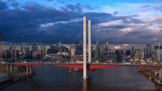 bolte 橋、cbd、メルボルン、ビクトリア, オーストラリア - オーストラリア メルボルン点の映像素材/bロール