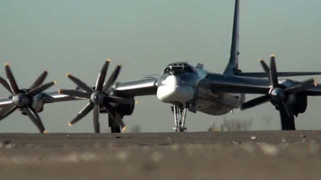 Bomber taxis on the airfield video