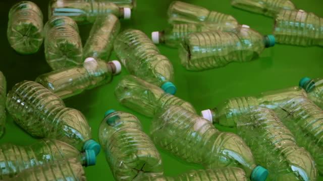 ボトル水に浮かんだ(hd - 水に浮かぶ点の映像素材/bロール