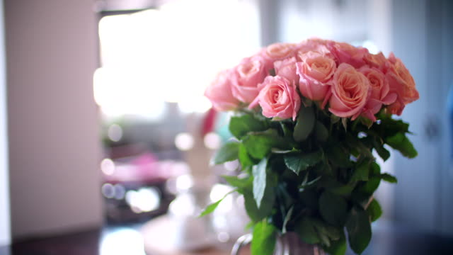 Bouquet of pink roses in a vase video