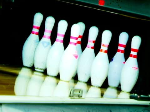 bowling stacker - kurzwaren stock-videos und b-roll-filmmaterial