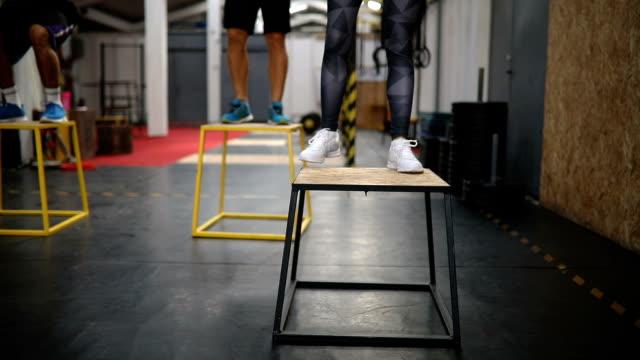 box jumping exercises - dedizione video stock e b–roll