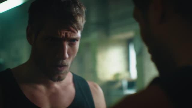 boxer preparing for training - colpire con un pugno video stock e b–roll