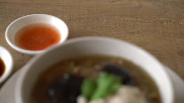 Braised Fish Maw in Red Gravy Soup with crab video