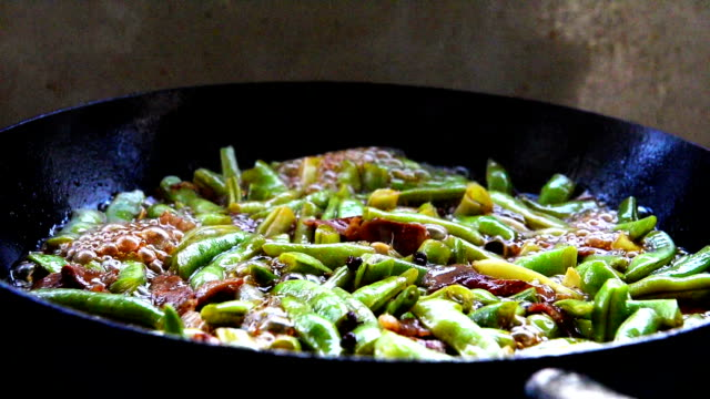 Braised green bean with pork. video