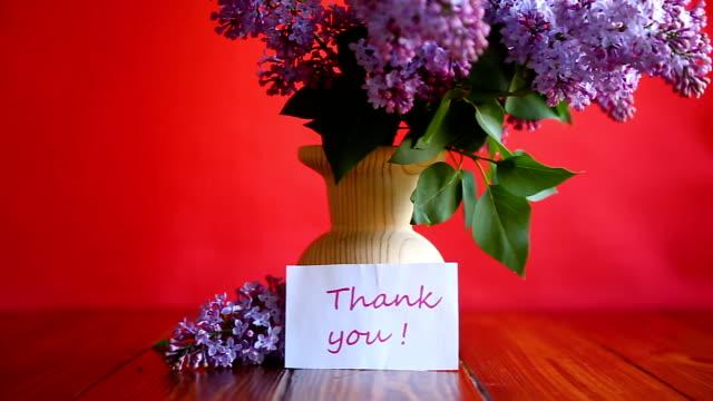 꽃이 만발한 봄 라일락의 지점 - thank you background 스톡 비디오 및 b-롤 화면