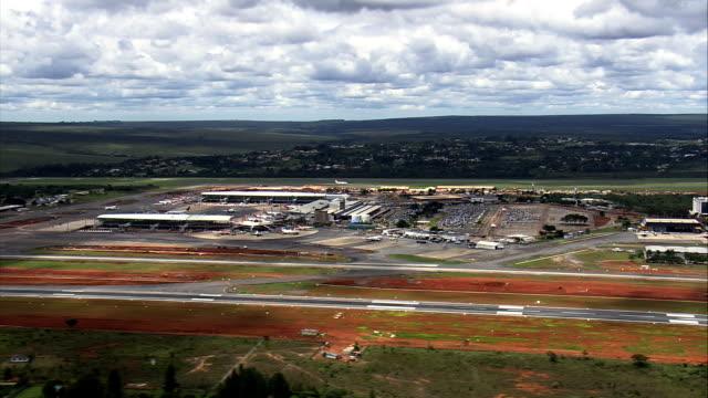 Aeroporto de Brasília-Vista aérea-Distrito Federal, Brasília, Brasil - vídeo