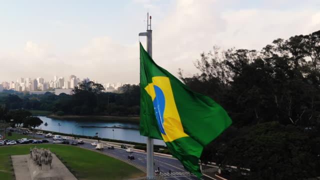 brasiliansk flagga fladdrande - brasilien flagga bildbanksvideor och videomaterial från bakom kulisserna