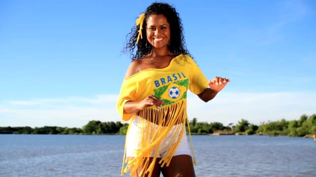 Brazilian samba dancing video