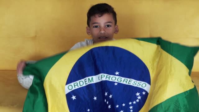 brasilianska socer spelare - brasilien flagga bildbanksvideor och videomaterial från bakom kulisserna
