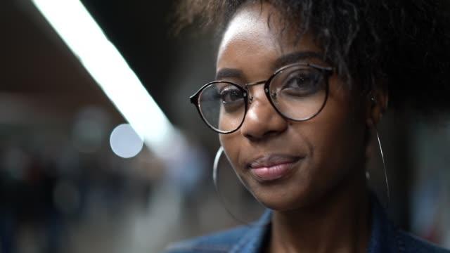 brazilian woman portrait at the subway - são paulo video stock e b–roll