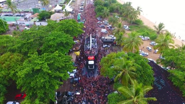 brazillian carnival in porto seguro, bahia, brazil. - карнавал стоковые видео и кадры b-roll