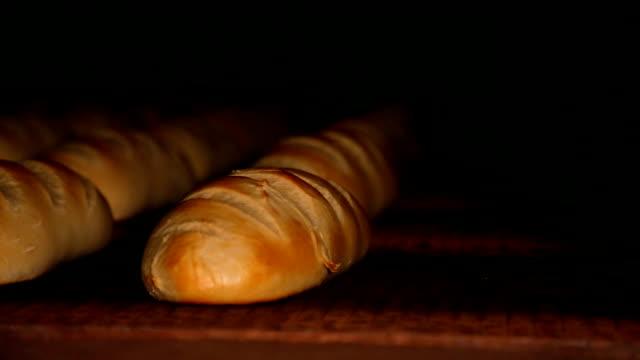 bröd bageri livsmedels fabrik produktion - videor med baka bildbanksvideor och videomaterial från bakom kulisserna