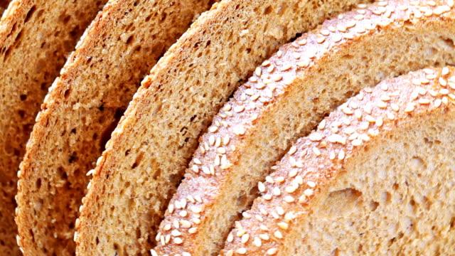 fette di pane - sesamo video stock e b–roll