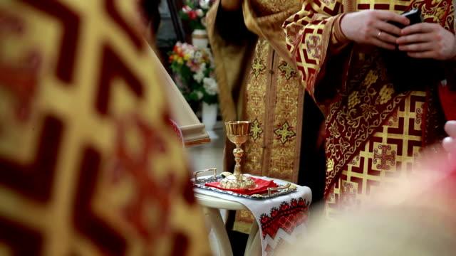 vidéos et rushes de pain, vin et bible sacrement de la communion ou - communion