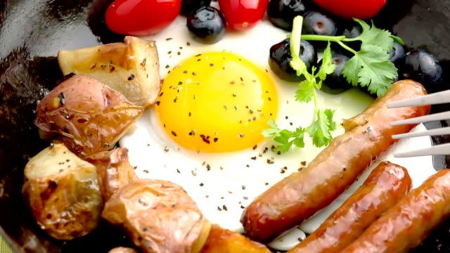 - frühstück - portion stock-videos und b-roll-filmmaterial
