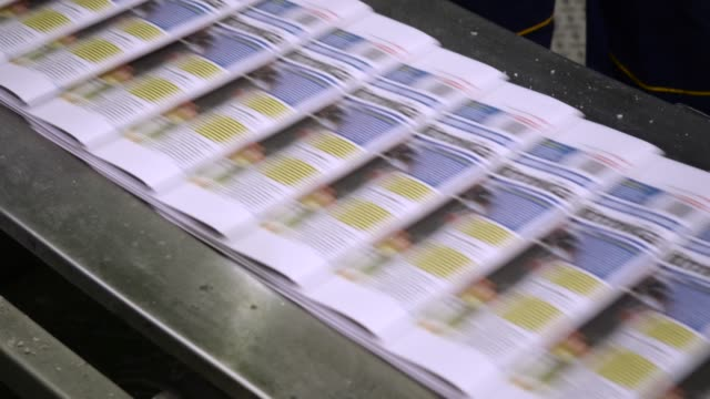 breaking news. newspaper printing press - newspaper paper video stock e b–roll