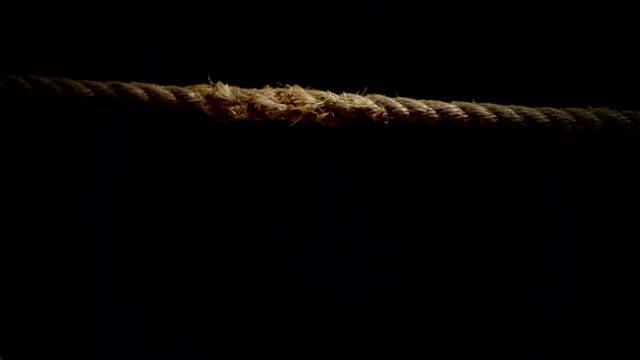stockvideo's en b-roll-footage met breaking touw in super slow motion - touw