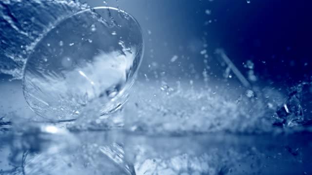 breaking the glass (super slow motion) - martini bildbanksvideor och videomaterial från bakom kulisserna