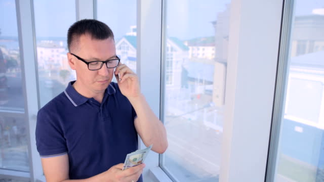 Briber suggesting money. Corruption, bribery and fraud concept video