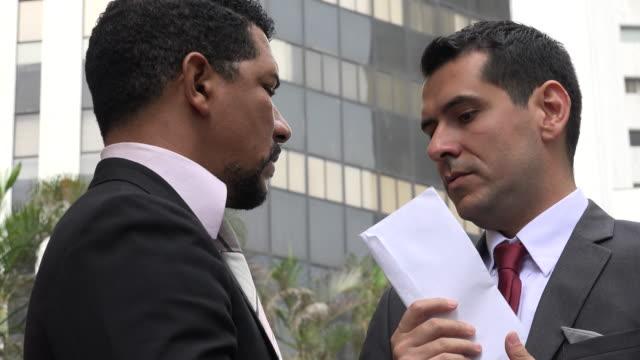 vídeos de stock e filmes b-roll de bribery or political corruption - corruption