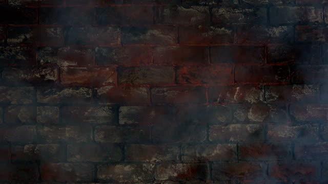 연기에 벽돌 벽 - 배경 초점 스톡 비디오 및 b-롤 화면