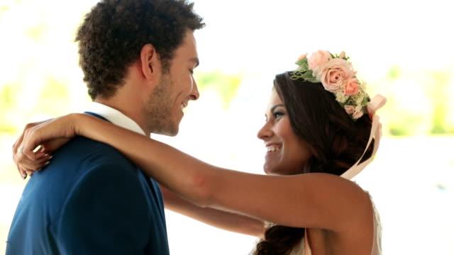 Mariée et le marié danse - Vidéo