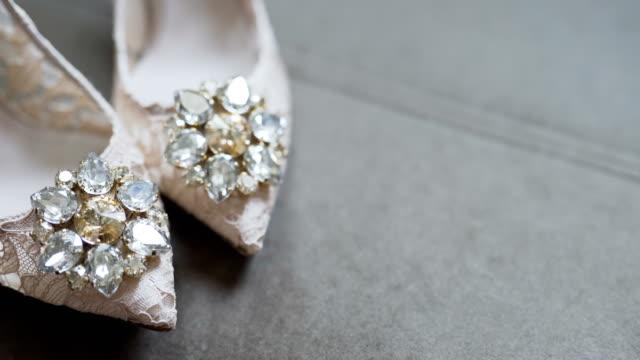 Zapatos de la boda novia vestidos - vídeo