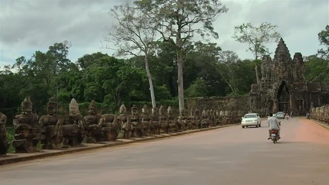 Bridge Angkor Thom