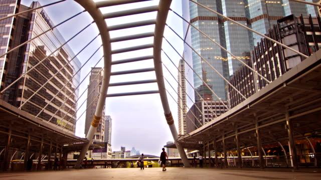 bridge link between mrt and bts mass transportation in heart of bangkok video