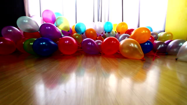 Bright Balloons 3 video
